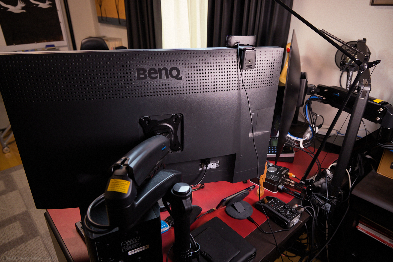 iMac Pro and BenQ display on Huanuo Adjustable Arms
